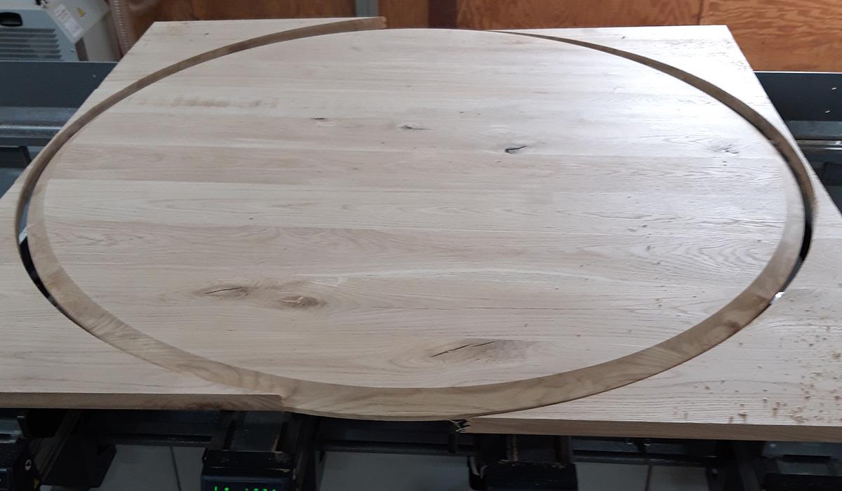zo komt het ronde blad uit het hout